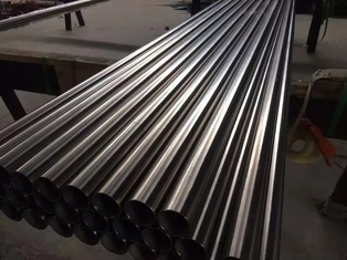 Cina Aisi Ss Astm A213 201 304 316 316L 310s 2205 904L 321 Stainless Steel Seamless Pipe Stock pemasok