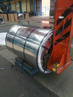 Hot Dicelup Galvanized Steel Coils, GI Silted Steel Coil 0.95 Mm THK X 182mm WD G-550 Z-275