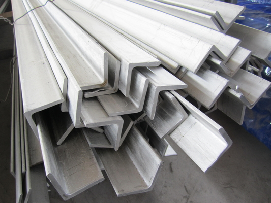 Cina 6m Grade 304 Stainless Steel Angle Bar Polished Peeled Grinding pemasok
